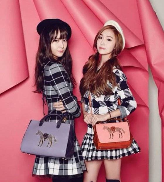 http://www.allkpop.com/article/2015/01/jung-sisters-jessica-and-krystal-rock-lapalette-handbags-for-vogue-korea