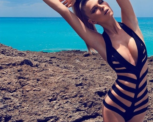 hot-one-piece-swimsuits-for-this-summer-21
